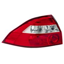 Lanterna-Traseira-Cristal-Prisma-06-Lado-Esquerdo